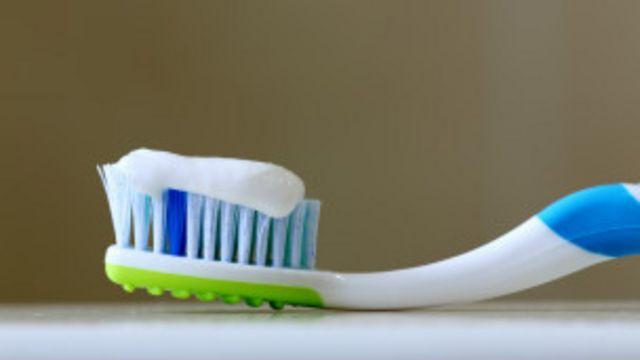 El flúor es el elemento de mantenimiento de las bocas sin problemas.