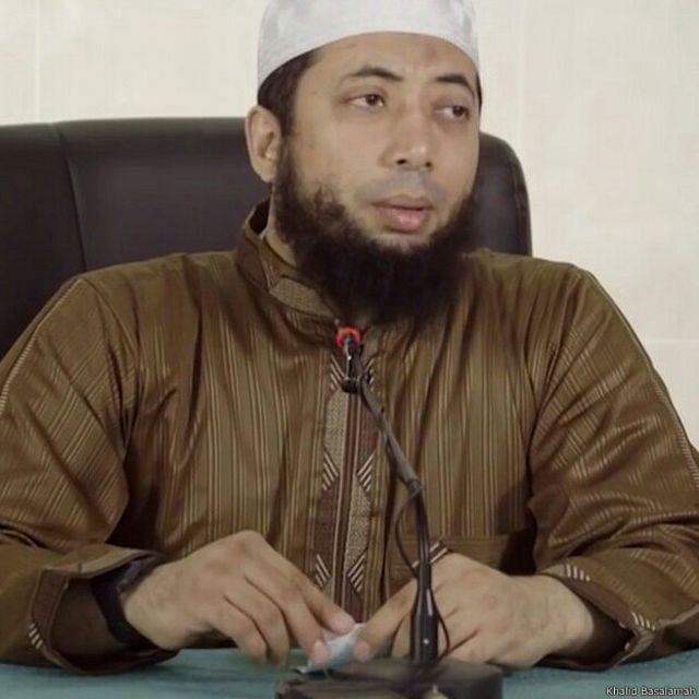 Khalid Basalamah, dalam ceramahnya yang diunggah ke Youtube, menganggap istilah Wahabi merupakan istilah yang sengaja diciptakan untuk memecah belah Islam.