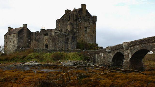 建於 13 世紀的愛蓮·朵娜城堡