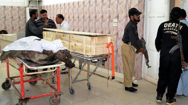 جسد ملامنصور بعد از حمله به بیمارستان منتقل شد
