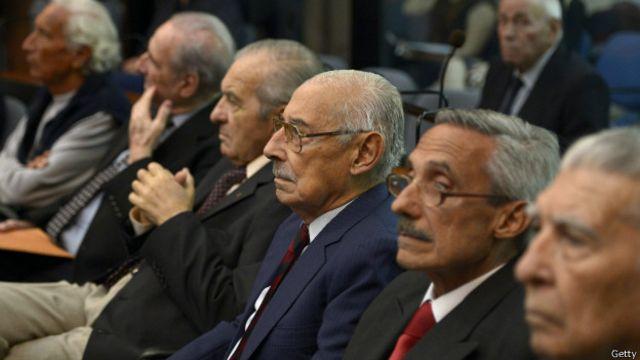 El inicio, eb 2013, del juicio que este viernes llega a su fin. En la imagen se observa a Jorge Videla, ya fallecido.