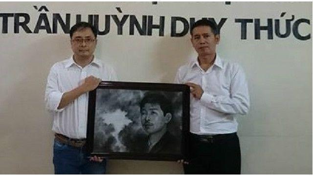 Luật sư Lê Công Định (trái) cũng bị bắt giữ trong cuộc gặp ở Vũng Tàu hôm cuối tuần
