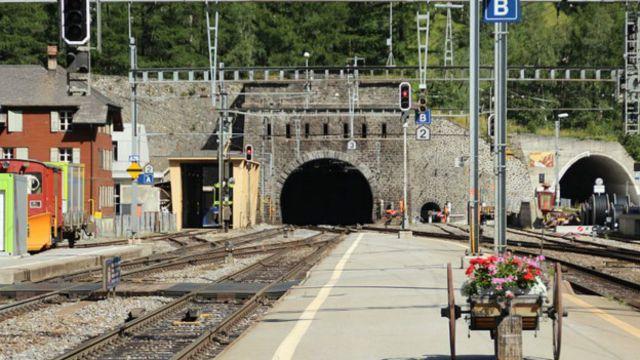 El túnel base de Lörschberg comenzó a utilizarse en 2007 y tiene 34,6 km.