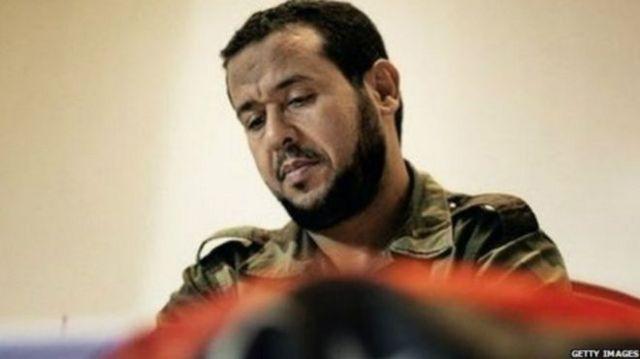 عبد الحكيم بلحاج يتهم الاستخبارات البريطانية بتسليمه في 2004 إلى ليبيا، حيث يزعم تعرضه للتعذيب