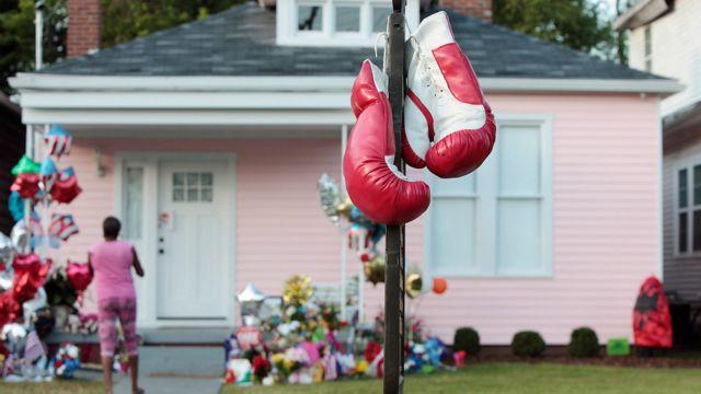این خانه محل تولد محمد علی در شهر لویی ویل است که در یک هفته گذشته مرکز توجه مردم برای ادای احترام به او بود.
