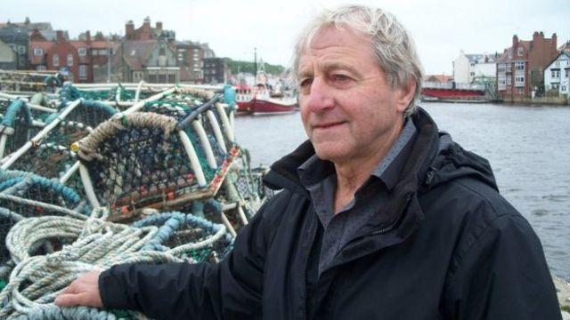 諾曼德爾曾經是漁船船長。他堅決主張脫歐,因為歐盟代表的政治毀了他的生活。