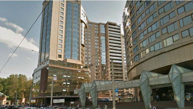 """""""Монблан"""" считается одним из самых нелепых зданий Петербурга и даже занесен в официальный городской список """"диссонирующих объектов"""""""