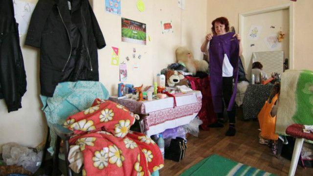 Вимушені переселенці з окупованих територій Донецької області в Маріупольському центрі соціального захисту