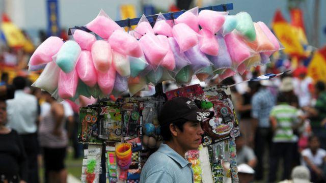 Vendedor de algodón de azúcar