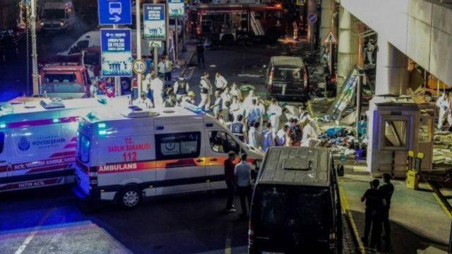 تقول السلطات إن المؤشرات ترجح مسؤولية تنظيم الدولة الإسلامية عن الهجوم.