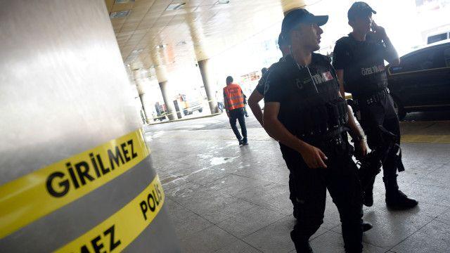 حضور نیروهای امنیتی در فرودگاه آتاتورک محسوس است