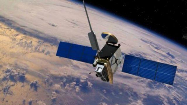 """大多数卫星在""""再入""""大气层过程中会崩解成碎片"""