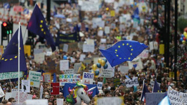 Tuần hành ở Anh ủng hộ việc ở lại EU