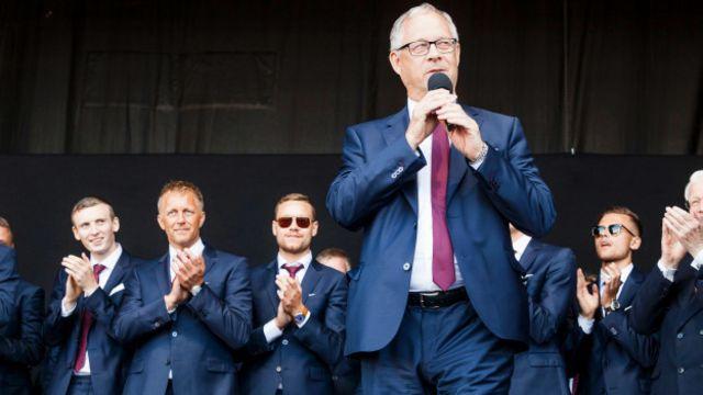 Тренер збірної Ісландії Ларс Лагербек виступив із промовою