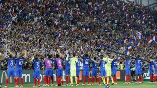 C'est la première victoire de la France sur l'Allemagne depuis 1958.