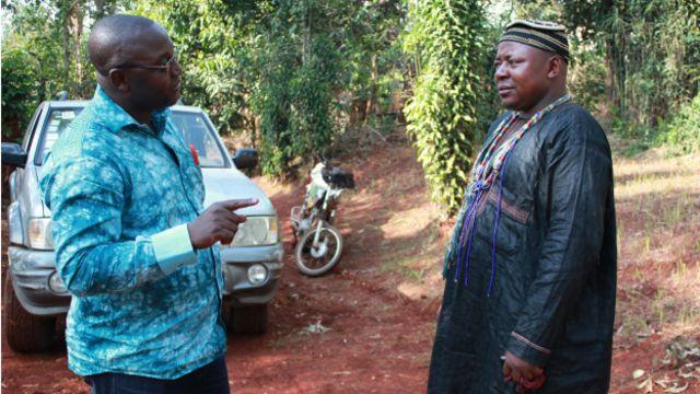 """... Chacun des notables représente un totem, un """"animal féroce, qui participe à la défense du territoire"""", explique l'un d'entre eux à Godlove Kamwa de BBC Afrique."""