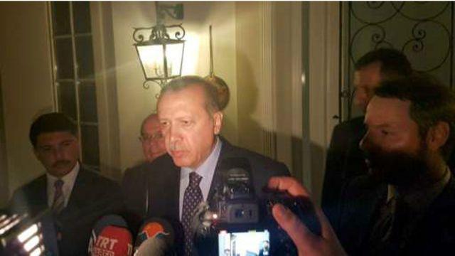 正在土耳其西南的地中海度假地馬爾馬里斯度假的埃爾多安對記者講話