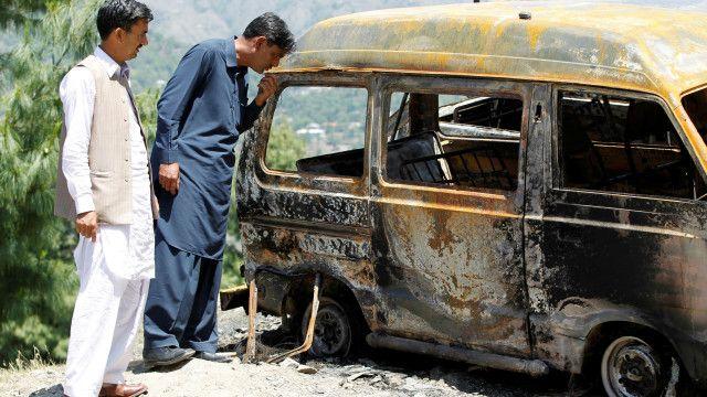 السيارة التي أحرقت فيها أمبرين رياسة البالغة من العمر 17 عاما