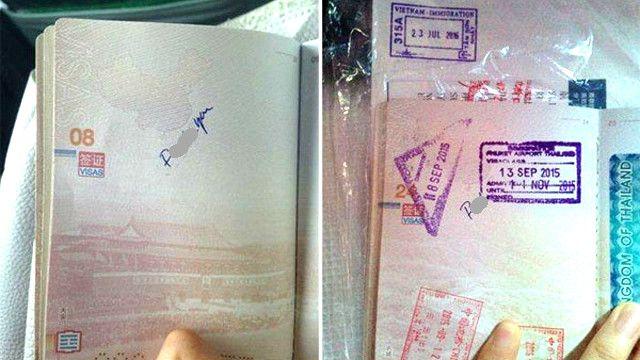 Hai trang số 8 và 24 trong cuốn hộ chiếu có dòng chữ 'F*ck you' viết tay