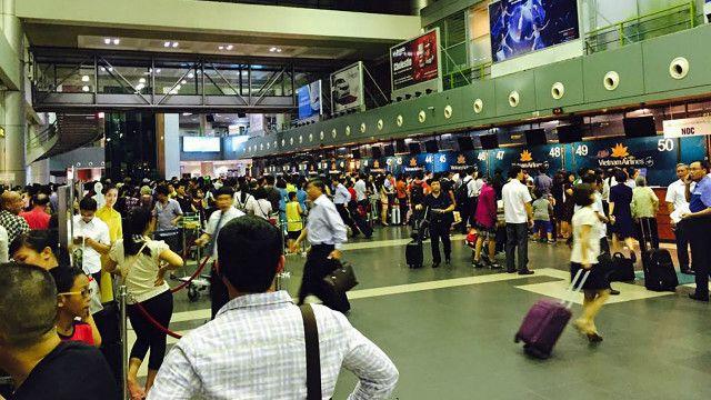 Màn hình tắt tại sân bay Nội Bài ngày 29/7