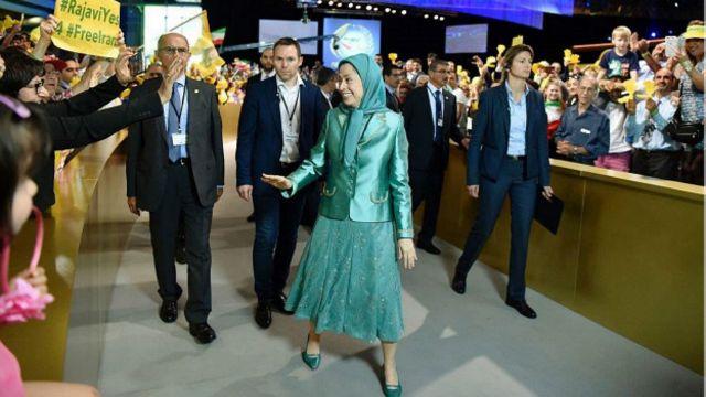 """مریم رجوی در گردهمایی """"مقاومت ایران"""" در پاریس"""