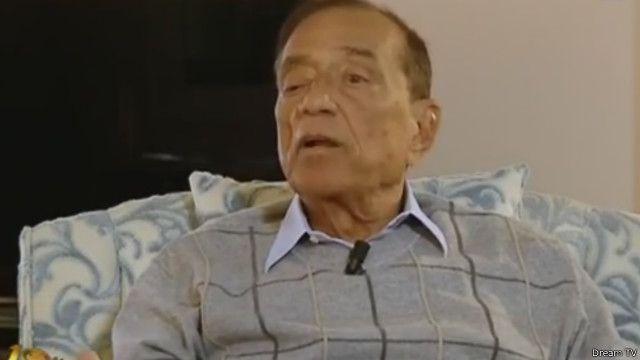 كان سالم أحد المقربين من الرئيس المصري السابق حسني مبارك الذي اطاحته انتفاضة 25 يناير/كانون الثاني 2011