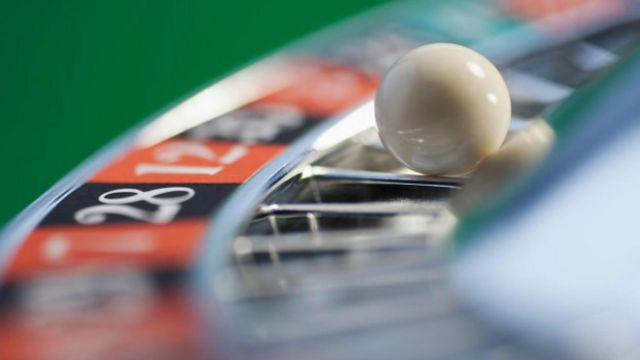 Bahkan ketika seseorang kalah berjudi pun, ada kepuasan yang membuat mereka terus bertaruh.