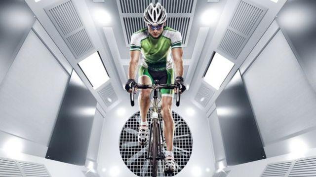 Екіпіровку велосипедистів випробують в аеродинамічній трубі