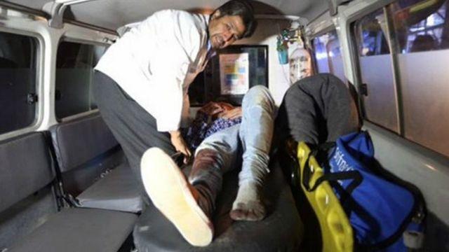 بنا بر گزارش پلیس در جریان این تیراندازی یک نگهبان دانشگاه کشته و چهارده دانشجو زخمی شدهاند