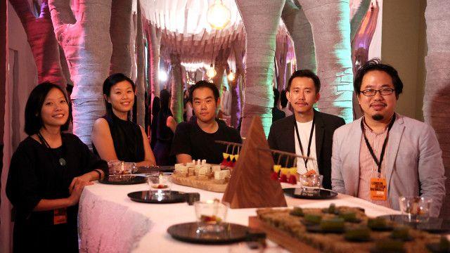 台灣Eatopia團隊成員(左起)專案經理/共同策展人張雅筑、策展人吳雅筑、執行主廚方柏儼、策展人曾熙凱、主辦方都市設計學會 cxcity代表蘇民。
