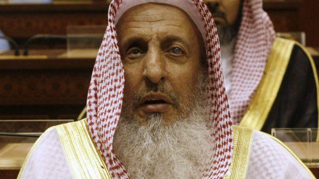 """كان آل الشيخ قد وصف قبل أيام الإيرانيين بأنهم """"غير مسلمين""""."""