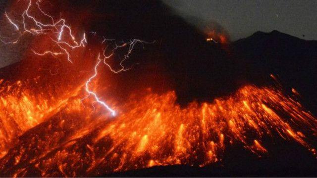 ဆာကူရာဂျီးမား မီးတောင် အကြီးအကျယ် ပေါက်ကွဲဖို့ ကျောက်ရည်ပူတွေ စုဆောင်းမိနေပြီလို့ ပညာရှင်တွေက ပြော။
