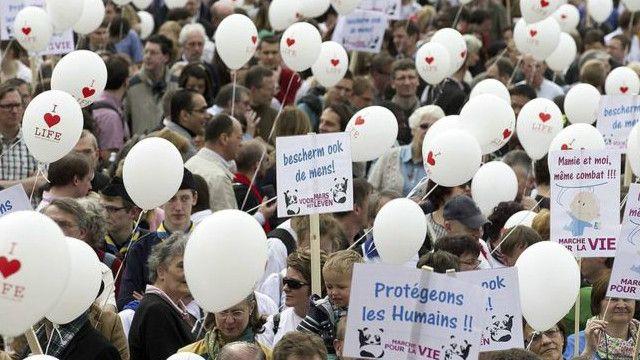 بلجيكا هي البلد الوحيد الذي يسمح الموت الرحيم بدون قيود على السن