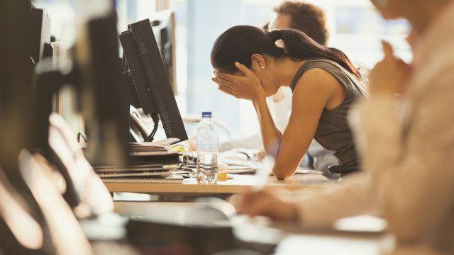 'Burnout' atau kelelahan berlebihan di tempat kerja disebut sebagai penyakit modern, tapi ternyata di masa lalu pun banyak orang mengalaminya.