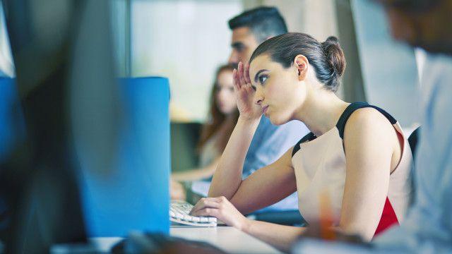 Menurut satu pendapat, otak kita tak berevolusi dengan baik untuk berhadapan dengan dunia kerja modern.