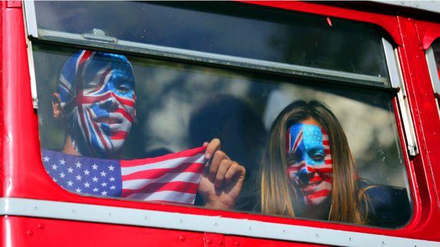 تهدف الحملة ايضا الى اقناع الامريكيين المقيمين في بريطانيا بالمشاركة في التصويت في الانتخابات الرئاسية.