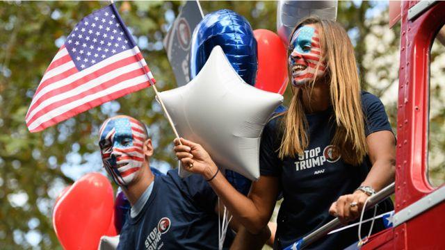 """نظمت الحملة حركة """"آفاز"""". يتوجه الناخبون الامريكيون الى صناديق الاقتراع في الثامن من تشرين الثاني / نوفمبر لاختيار الرئيس الـ 45 للولايات المتحدة."""