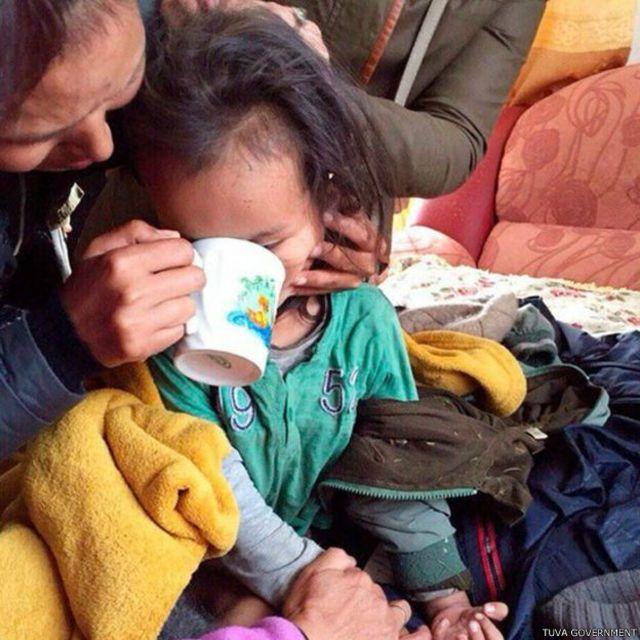 Bocah ini ditemukan letih dan kelaparan namun masih dalam kondisi medis yang baik.
