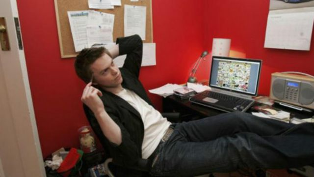 21岁时,亚历克斯·图发现了一种比兼职打工更好的方法来凑足大学的学费,所以他创造了百万格子网站(图片来源:Getty Images)