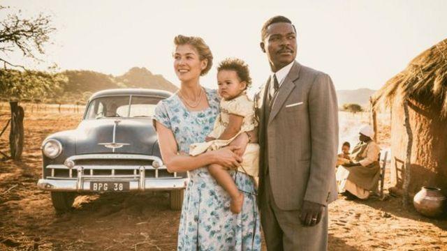 """يحكي فيلم """"مملكة متحدة"""" قصة ملك أمريكي تزوج موظفة بريطانية"""