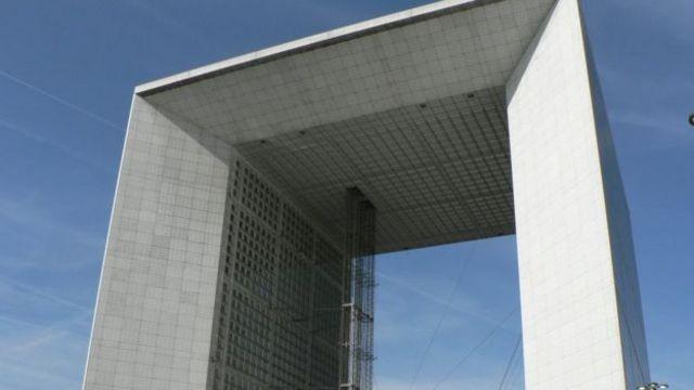 巴黎金融區的地標性建築也是藝術範。