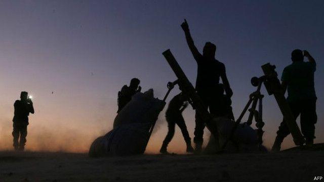 叛軍指揮官奧斯曼對路透社說,叛軍還同時拿下了鄰近的索蘭鎮。