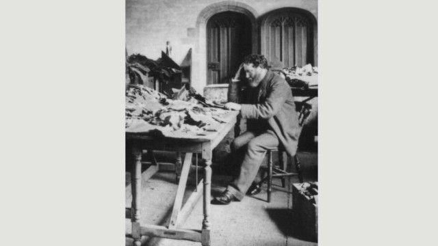 """أدرك سليمان شختر أهمية مخطوطات """"جنيزة"""" التي عثر عليها في القاهرة"""