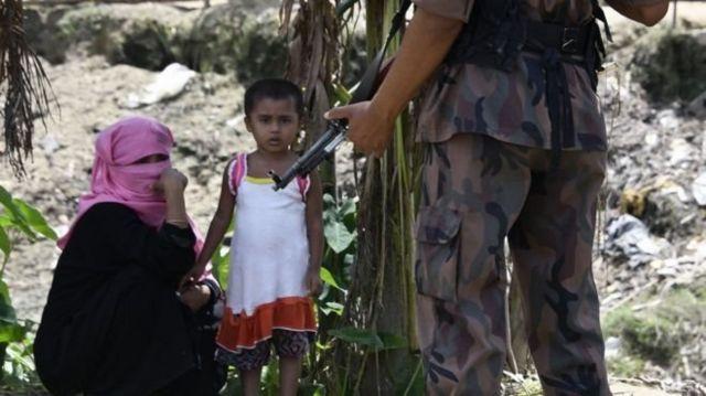 กองกำลังความมั่นคงบังกลาเทศเข้ามาคุ้มกันค่ายผู้ลี้ภัยชาวโรฮิงญาใกล้กับพรมแดนแล้ว