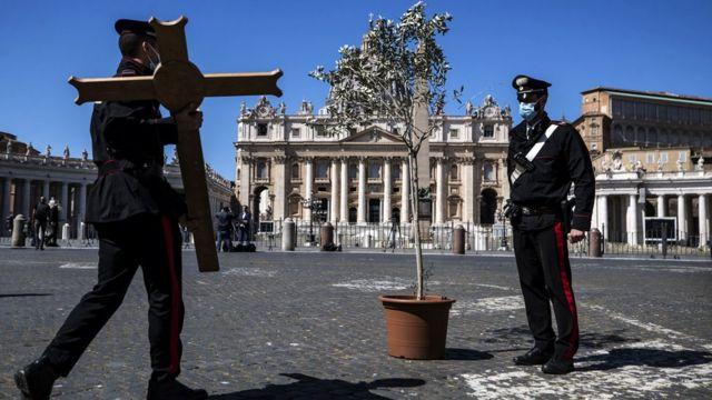 St Peter's Meydanı