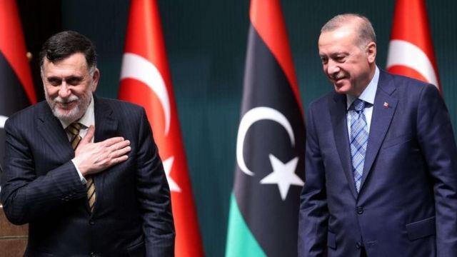Madaxweynaha Turkiga, Erdogan iyo Ra'iisul wasaaraha Dowladda la aqoonsan yahay ee Libya Fayez al-Sarraj.