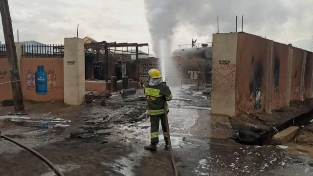 Baruwa gas explosion in Lagos: Eight pipo die and several odas injure for  di fire incident - BBC News Pidgin