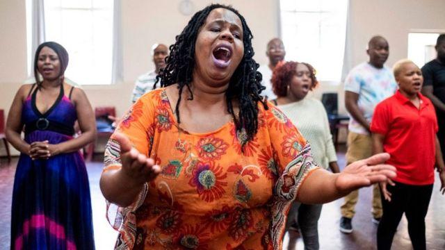 Chanter produit de nombreux bienfaits immédiats sur le corps et l'esprit.