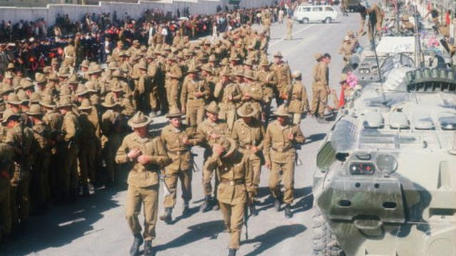 Sovyet askerleri Afganistan'da
