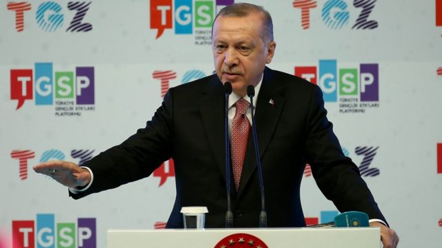 """Erdoğan Andımız'la ilgili """"Bu metin, bu ülkede ezanı Türkçe okumak, okutmak isteyenlerin eseridir"""" diye konuştu."""